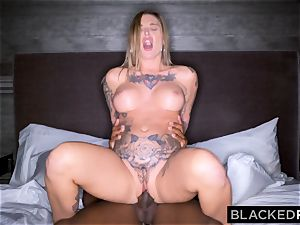 BLACKEDRAW Real Texas gf cheats with dark-hued man at the motel after party
