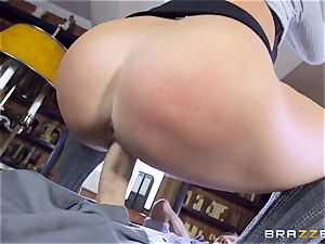 enormous dicked instructor screws stellar student Emma Leigh