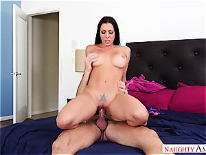 wonderful housewife needs her puss motionless