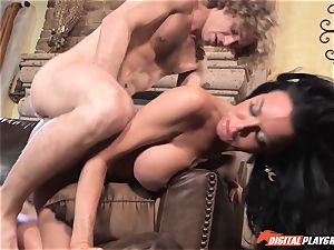 Veronica Avluv gets testicle tonic tongued off her slit
