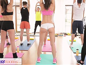 FitnessRooms Barbara Bieber has a sexual workout