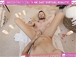 VR pornography - Thanksgiving Dinner becomes kinky pummeling