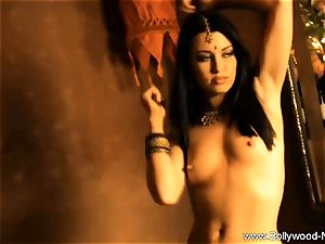 gorgeous naked dame From Bollywood
