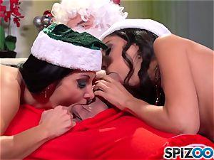 Spizoo - Ava Addams and Trinity porks Santa's hefty knob