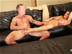 Kristal concluding up with cum in her mummy vag