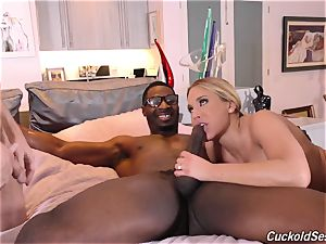 My cuckold hubby looks like I'm taking ebony peckers