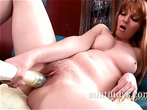 Marie McCray Works Her cooch Over with a vibrator