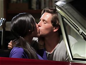 Chloe Amour tears up in her boyfriends fresh car