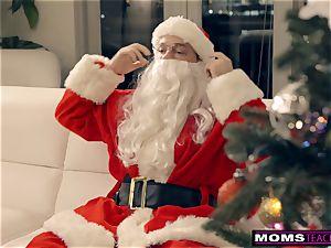 Santa's wild Helpers In Christmas threeway S9:E7
