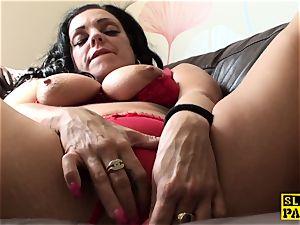 draining uk scum toying her wet puss