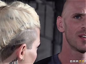 Kissa Sins shares her man with Aidra Fox and Dahlia Sky