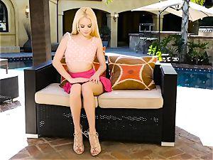 Elsa Jean making herself cum by the pool