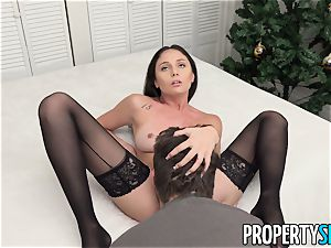 PropertySex Ariana Marie loving The Christmas fuck-a-thon