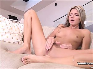 uber-sexy Gina Gerson rub Her puss With lovemaking toy
