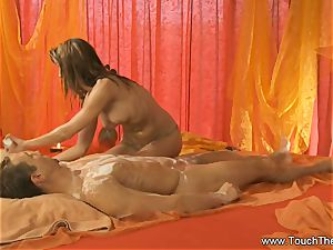 Twisty palm movement massage