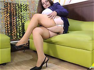 LATINCHILI Rosaly is masturbating her huge brazilian grannie