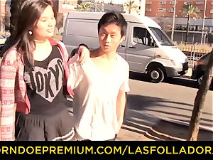 LAS FOLLADORAS - massive breasts Oriental stunner has four-way