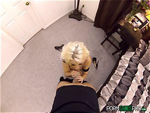 wild blondie stunner Britney Amber boinked in her tasty puss pie pudding