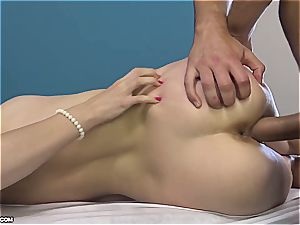 uber-cute Eurobabe gets her lubed labia finger-tickled