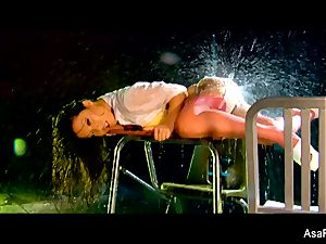 chinese babe Asa Akira gets her cooter fucked rock hard