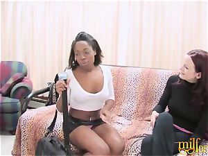 Bored mommy nailed by lezzy black