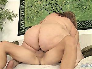 large bbw Erin Green deep-throats and rides