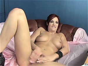voluptuous Jayden Cole loves teasing her fleshy moist bean