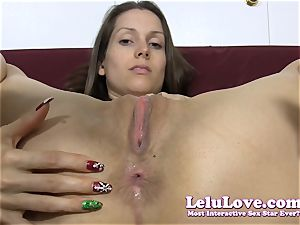 She peels off down then oils up her ass hole..