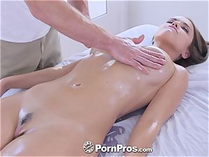 PornPros moist cooter rubdown and nail for Dillion Harper
