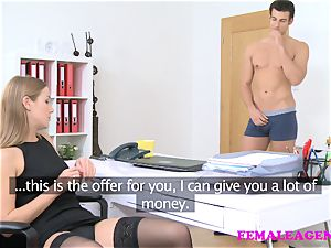 FemaleAgent yankee boy jizzes on fabulous blondie face