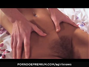 A gal KNOWS - Blue witnessed hottie finger-tickled by sizzling lezzy