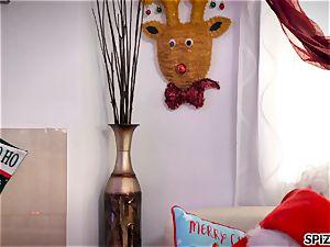 Spizoo - observe Jessica Jaymes pummeling Santa Claus