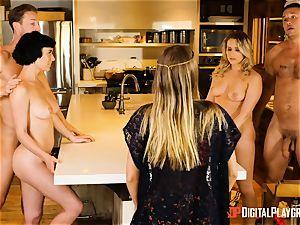 Mia Malkova and Olive Glass fuckbox poked in the kitchen