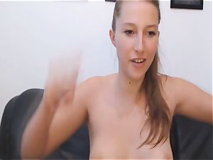 kinky stunner splooging puss on cam
