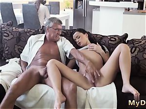 first-timer nubile suck guzzle xxx What would you choose - computer or your girlpal?