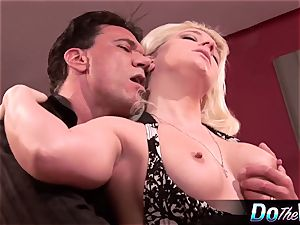 blond wifey gets her asshole plugged